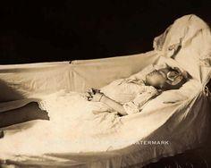 VICTORIAN ERA POST MORTEM CHILD VINTAGE PHOTO DEAD DECEASED 1890 8x10  #21399
