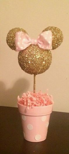 Pink and Gold Glitter Minnie Mouse inspired Centerpiece, Minnie Birthday, Minnie party decoration, Minnie baby shower Pink and Gold Minnie Mouse Centerpiece. Great DIY idea for a Minnie themed birthday party. Minnie Mouse First Birthday, Minnie Mouse Baby Shower, Minnie Mouse Pink, 1st Birthday Girls, Mickey Birthday, Pink And Gold Birthday Party, Gold Party, Birthday Cake, Decoration Minnie