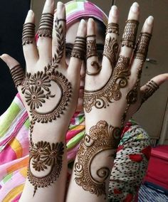 Mehndi Design Girls which is for especially for the younger girls and for this Festive Season and for also the wedding season. These are the best Mehndi Design Girls. Mehndi is an important part of our Culture. Henna Hand Designs, Mehndi Designs Finger, Simple Arabic Mehndi Designs, Legs Mehndi Design, Modern Mehndi Designs, Mehndi Design Pictures, Mehndi Designs For Fingers, Beautiful Mehndi Design, Henna Tattoo Designs