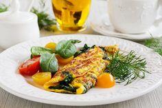 Facebook Pinterest Print EmailDenne omelet er en god start på morgenen men kan også være et lækkert mættende frokostmåltid. Til 1 portion skal du bruge: 1 dl frossen spinat 2 æg 2 spsk fløde 50 gram mozzarella Salt og peber…