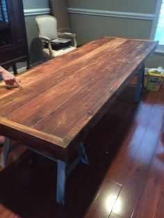Charmant Rustic Reclaimed Cedar Dining Table