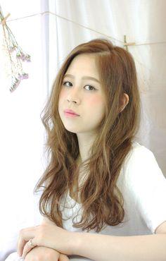 http://beauty.rakuten.co.jp/hs0192238/ 【外人風☆ラフカール】 外国風のクセ気の様なルーズな動きをコスメ系パーマで演出♪さらにジンジャーアッシュで柔らかさをさらにプラス。ラフなスタイリングでもオシャレに決まるのでどんな人にもオススメです!