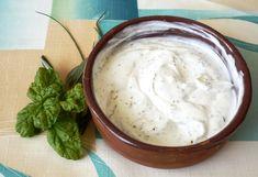 """Recept Dresing """"bylinkové máslo"""" se Vám při grilování bude jistě hodit. Najdete tu potřebné suroviny a postup přípravy receptu Dresing """"bylinkové máslo""""."""