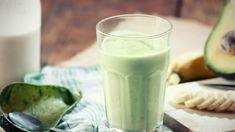 Avokadosta ja banaanista valmistuu herkullinen aamujuoma. Copyright: Shutterstock. Kuva: Lecic .