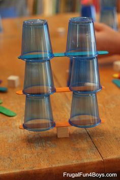 Engineering Challenges for Kids (Cups, Craft Sticks, and Cubes!) - Frugal Fun For Engineering Challenges for Kids (Cups, Craft Sticks, and Cubes!) - Frugal Fun For Boys Stem Science, Preschool Science, Teaching Science, Science For Kids, Life Science, Science Party, Steam Activities, Science Activities, Activities For Kids