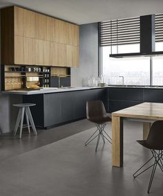 Cherry wood Kitchen With Gray is part of Kitchen fittings - Welcome to Office Furniture, in this moment I'm going to teach you about Cherry wood Kitchen With Gray Kitchen Dinning, Wooden Kitchen, New Kitchen, Kitchen Decor, Kitchen Black, Modern Kitchen Design, Interior Design Kitchen, Black Kitchens, Home Kitchens