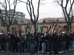 Bergamo, i militanti di Forza Nuova schierati in difesa della sede bergamasca.