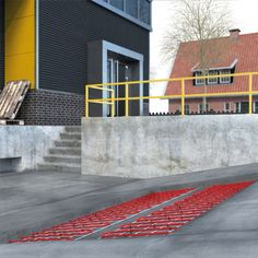 Especially for larger surfaces, such as loading docks or entrance and exit ramps for parking garages, where safety needsto be guaranteed. The MAGNUM Outdoor Cable can be secured directly onto the reinforcement steel before the concrete is poured.