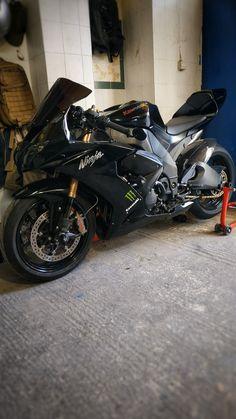 Stunt Bike, Kawasaki Ninja Zx6r, Kawasaki Motorcycles, Motorbikes, Nice, Volvo Trucks, Sportbikes, Kawasaki Dirt Bikes, Motorcycles