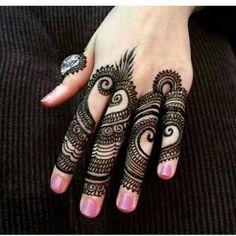 Get the simple and latest finger mehndi designs hand finger mehndi images. Best mehndi from Indian, Arabic, Pakistani and Turkish finger mehndi designs. Latest Finger Mehndi Designs, Mehndi Designs For Fingers, Fingers Design, Mehndi Designs For Hands, Simple Mehndi Designs, Tattoo Designs For Girls, Latest Mehndi, Easy Designs, Hand Mehndi