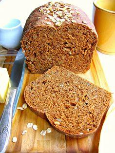 Oatmeal Molasses Bread / The Bojon Gourmet (oats, dark unsulphured molasses, butter, white bread flour, sunflower seed) Molasses Bread, Molasses Recipes, Bojon Gourmet, Yeast Bread, Bread Baking, Bread Oven, Baked Oatmeal, Muesli, Recipes