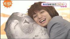 2016/06/16 めざましテレビ お久しぶりです。。(笑)アザラシを抱きしめる伊野尾さんがやばすぎたので載せときます…(笑)  #heysayjump #伊野尾慧 #めざましテレビ