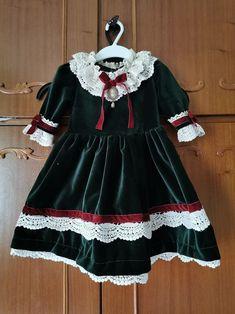 Vintage Lace, Vintage Dresses, Etsy Seller, Flower Girl Dresses, Platform, Trending Outfits, Wedding Dresses, Unique, Handmade