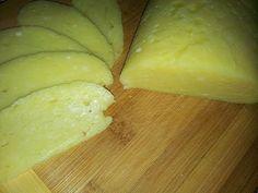Luxusný domáci syr bez syridla: 2 kilá perfektného syra vyrobíte behom chvíľky, pokojne aj v paneláku! Russian Recipes, Honeydew, Main Meals, Food Videos, Feta, Dairy, Cheese, Fruit, Youtube