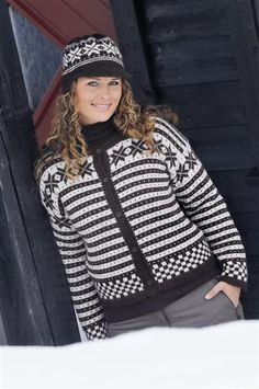 Garntua garnbutik med kvalitetsgarn i cashmere, alpacka, naturfiber Easy Knitting, Knitting Patterns, Norwegian Knitting Designs, Norwegian Style, Fair Isle Pattern, Christmas Sweaters, Pattern Design, Cashmere, Sewing