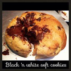 Black 'n white soft cookie