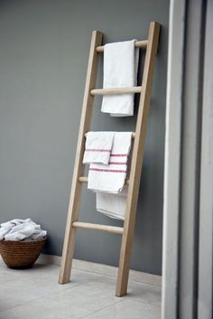Step up your style with our uniquely designed Raw Oak Towel Ladder. The traditional ladder design makes for a contemporary storage unit, offering a modern twist to any living space. Ladder Towel Racks, Towel Storage, Ladder Storage, Scarf Storage, Cabinet Storage, Bathroom Ladder, Towel Rack Bathroom, Bathroom Ideas, Oak Bathroom
