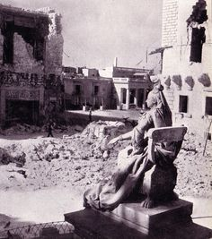 Bomb damage in Palace Square, Valletta