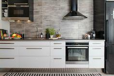 Cuisine avec du mobilier blanc laqué