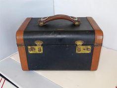 Vintage 1940s-1950s Train Case-Blue Arrow