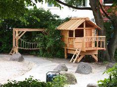 Ki - Haus How to Crafts Backyard Play, Backyard For Kids, Backyard Projects, Backyard Chicken Coops, Chickens Backyard, Cubby Houses, Play Houses, Garden Living, Home And Garden