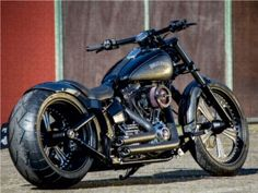 Harley Street Glide, Harley Davidson Street Glide, Harley Davidson Bikes, Custom Harleys, Custom Bikes, Duke Bike, Chopper Motorcycle, Motorcycle Garage, Cool Bikes