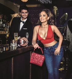 Guess Handbag as modelled by J-Lo on sale now. We have this brand new Guess handbag on sale for under €75 with free delivery. Its actually gorgeous #bagenvy #moneyiusedtohave #guesshandbags #guessbags