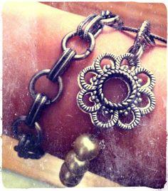 Whisper Charm Bracelet – FREE! when you host a party!!! Magic Moment Bracelet – $52.00  https://kellydavis.jewelkade.com/Shop