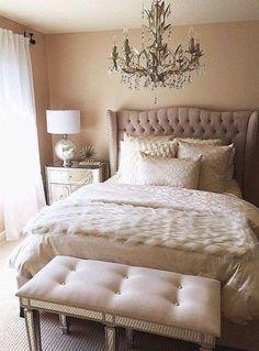 Camera da letto in stile new classic - Letto elegante