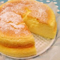 Gâteau Japonais au fromage trop bon & facile a faire Thermomix Desserts, No Cook Desserts, Asian Recipes, Sweet Recipes, Food In French, Gateau Cake, Desserts With Biscuits, Good Food, Yummy Food