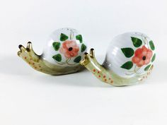 Vintage Snail Salt And Pepper Shakers Retro by LivingAVntgLife Retro Flowers, Pink Flowers, Vintage Coffee, Snails, Salt And Pepper, Kitsch, Vintage Items, Etsy Seller, Etsy Shop
