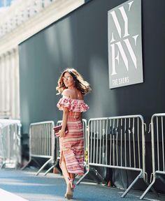 Chegando no primeiro desfile de hoje  Look super feminino @olympiahoficial  #streetstyle #pinkmood #nyfw #fhitsny @fhits