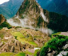 Ruinele palatelor, templele, hambarele si cele aproximativ 150 de case se pastreaza intr-o stare remarcabila de conservare!     Care credeti ca este secretul Machu Picchu?