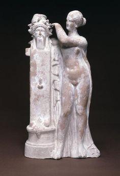 Terracotta figure of Aphrodite - Myrina 1 BC