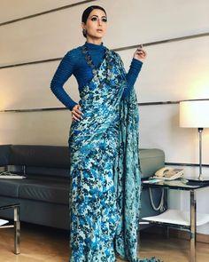 Hina Khan looks gorgeous💙💙💙 Bollywood Designer Sarees, Designer Silk Sarees, Indian Designer Wear, Bollywood Saree, Trendy Sarees, Stylish Sarees, Simple Sarees, Indian Dresses, Indian Outfits