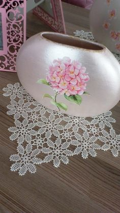 Sevginin Diyarı: Seramik çalışmaları Baby Knitting Patterns, Crochet Patterns, Crochet Tablecloth, Filet Crochet, Lace, Crochet Doilies, Towels, Craft, Painted Boxes