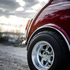 Mini Cooper Custom, Mini Cooper Classic, Classic Mini, Classic Cars, 147 Fiat, Mini Coper, Mini Morris, Cooper Car, Mini Monster