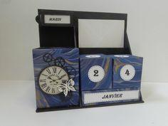Calendrier perpétuel Matériel: carton fort de 3mm d'épaisseur - cartonnette de 1mm d'épaisseur - papier fort noir - papier uni - papier...