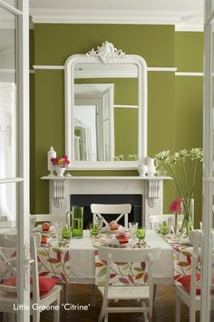 wandfarbe von little greene ein gew lbe mit stuck in zartem rosa und hellblau farbe. Black Bedroom Furniture Sets. Home Design Ideas