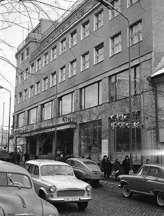 Poštová ulica 60 roky Bratislava, Street View, Building, Retro, Fotografia, Prague, History, Buildings, Retro Illustration