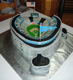 Yankee Stadium Grooms Cake for the New York Yankees fan in your life ... #baseballwedding