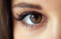 Remedios caseros para acabar con las bolsas en los ojos