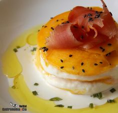 Lasaña de mango y brandada de bacalao Fish Recipes, Seafood Recipes, Whole Food Recipes, Pescado Recipe, Tapas Menu, Food Humor, Delicious Chocolate, Food Preparation, Catering