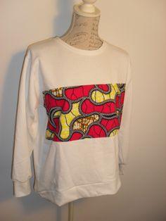 Camisola tamanho M, ligeiramente mais comprida atrás.Para mais informações e encomendas envie email para maeafroo@outlook.pt Graphic Sweatshirt, Sweatshirts, Sweaters, Fashion, Nightgown, Moda, Fashion Styles, Trainers, Sweater
