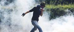 Turquie : la police charge les manifestants à Ankara. Les forces de l'ordre sont intervenues alors que les protestataires, jeunes et étudiants, se réunissaient sur la place centrale de Kizilay.