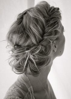 Party hair http://www.flair.be/nl/kapsels/266424/de-beste-partykapsels-van-pinterest