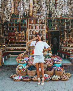 Still dreaming about moroccan spices, moroccan rugs and moroccan raffia furniture and hats, don't blame me✨ Travel Pictures, Travel Photos, Cidades Do Interior, Istanbul Travel, Bali Travel, Bangkok Travel, Morocco Travel, Summer Work Outfits, Travel Goals