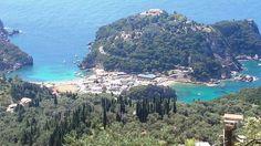 Costa Mediterranea - Castellino  E' una delle più famose località che si deve visitare quando siete in vacanza nell'isola di Corfù o anche se sei un viaggiatore d'affari.  Visitabile anche su www.mondoscatto.net sezione Europa - Grecia.   #CostaMeditteranea  # Castellino #Corfù