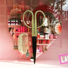 "SELFRIDGES,London,UK, ""The Happiness Project"",(Beauty is in the eye of the beholder), pinned by Ton van der Veer"