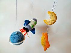 Bichus Amigurumis: Patron Cohete Amigurumi - Movil para bebe en crochet
